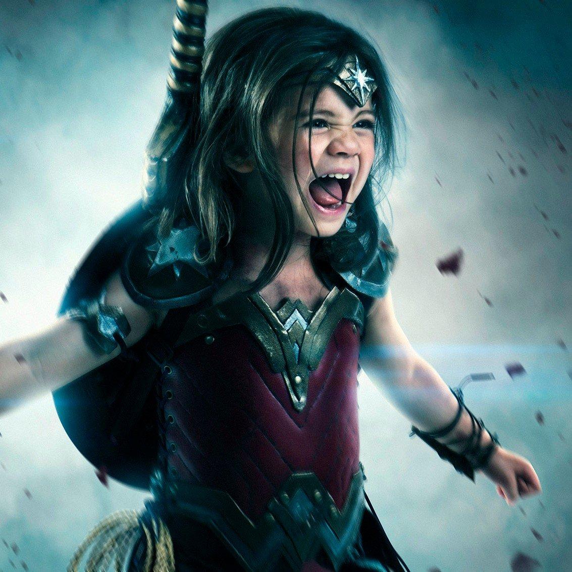 Little-Girl-Wonder-Woman-Cosplay